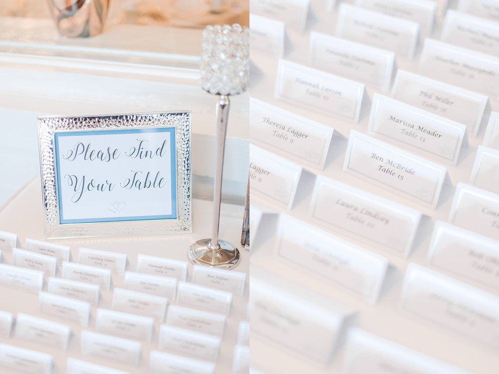 classic-intimate-fun-wedding-photos-at-the-meeting-house-grand-ballroom-in-plymouth-michigan-by-courtney-carolyn-photography_0070.jpg