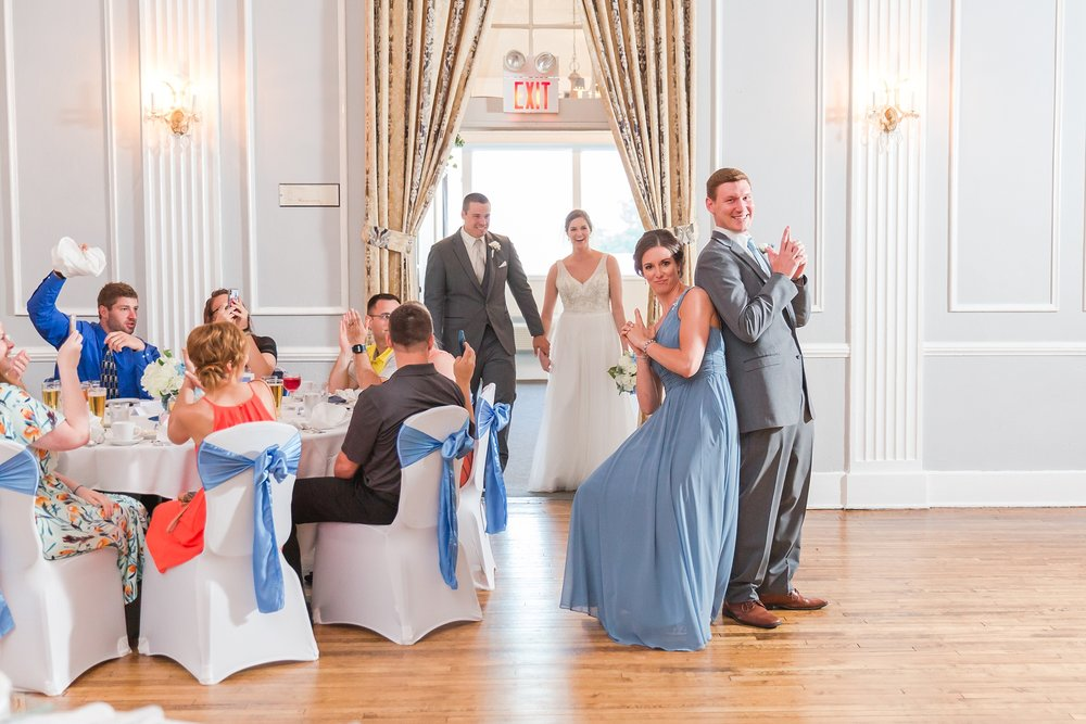 classic-intimate-fun-wedding-photos-at-the-meeting-house-grand-ballroom-in-plymouth-michigan-by-courtney-carolyn-photography_0073.jpg