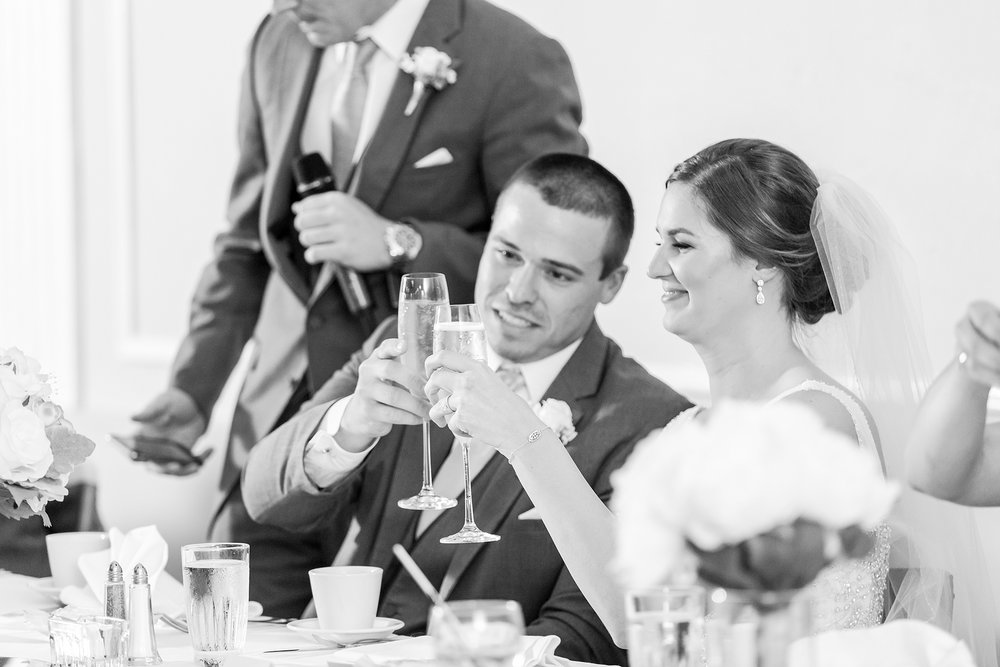 classic-intimate-fun-wedding-photos-at-the-meeting-house-grand-ballroom-in-plymouth-michigan-by-courtney-carolyn-photography_0084.jpg