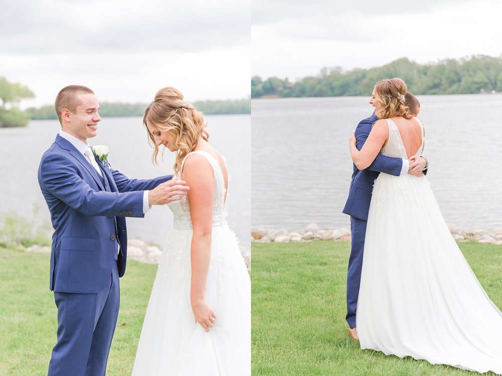 joyful-candid-laid-back-wedding-photos-in-ann-arbor-michigan-and-at-the-eagle-crest-golf-resort-by-courtney-carolyn-photography_0024.jpg