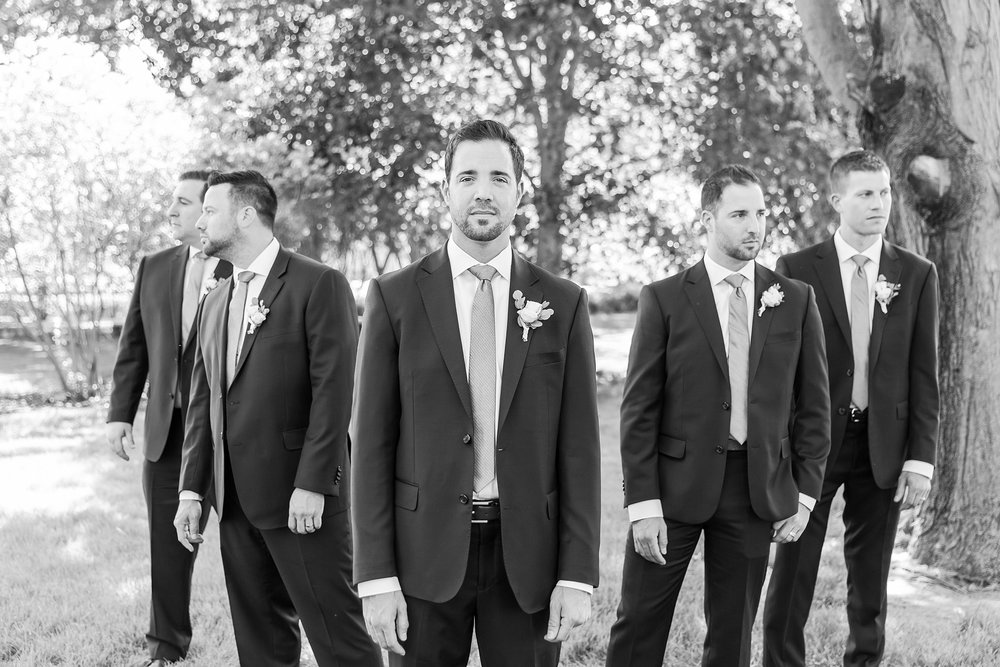 fun-candid-laid-back-wedding-photos-at-wellers-carriage-house-in-saline-michigan-and-at-the-eagle-crest-golf-resort-by-courtney-carolyn-photography_0043.jpg