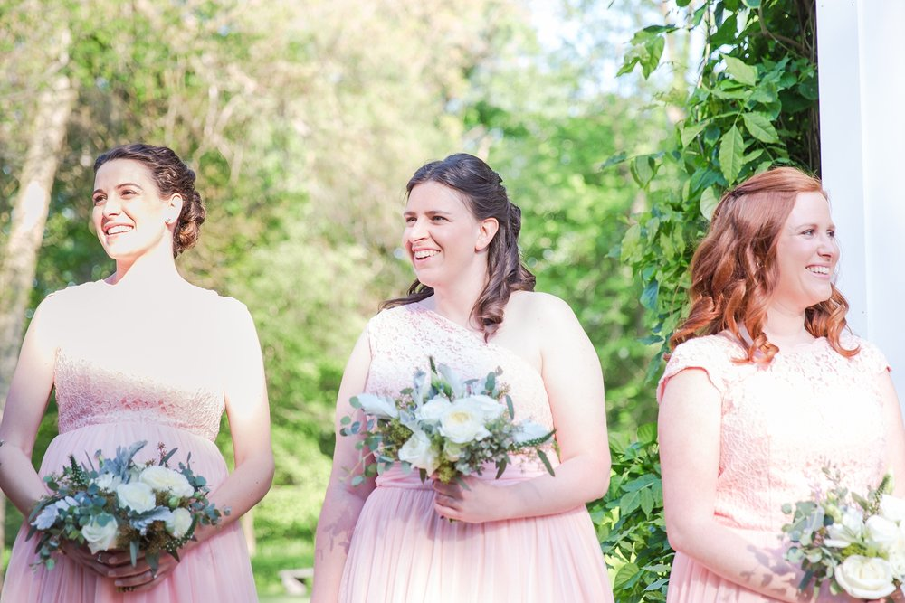 fun-candid-laid-back-wedding-photos-at-wellers-carriage-house-in-saline-michigan-and-at-the-eagle-crest-golf-resort-by-courtney-carolyn-photography_0062.jpg