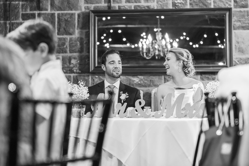 fun-candid-laid-back-wedding-photos-at-wellers-carriage-house-in-saline-michigan-and-at-the-eagle-crest-golf-resort-by-courtney-carolyn-photography_0087.jpg