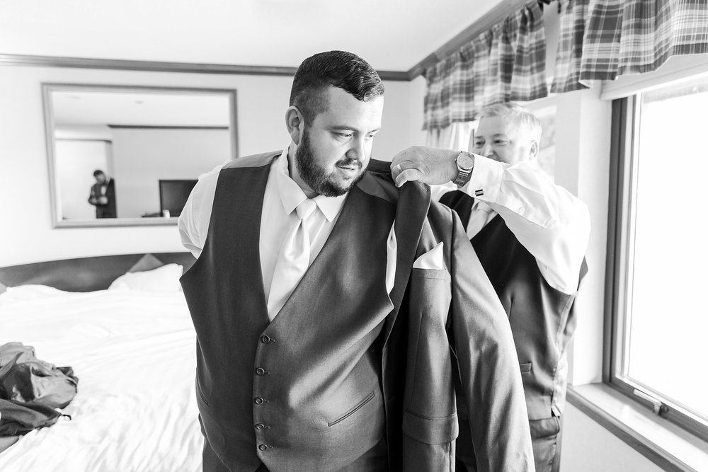 emotional-laid-back-romantic-wedding-photos-at-adrian-college-herrick-chapel-in-adrian-michigan-by-courtney-carolyn-photography_0006.jpg