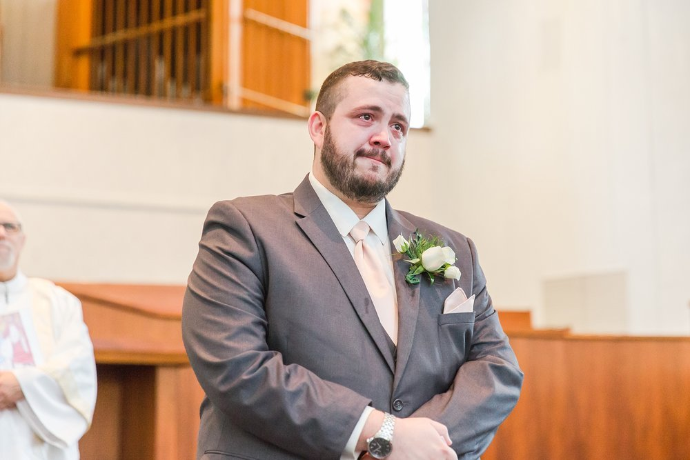 emotional-laid-back-romantic-wedding-photos-at-adrian-college-herrick-chapel-in-adrian-michigan-by-courtney-carolyn-photography_0018.jpg