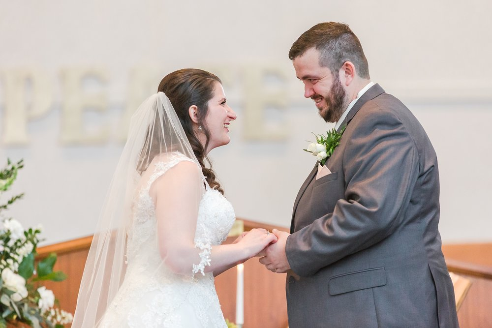 emotional-laid-back-romantic-wedding-photos-at-adrian-college-herrick-chapel-in-adrian-michigan-by-courtney-carolyn-photography_0025.jpg