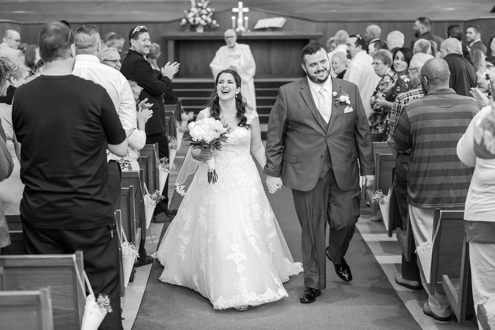 emotional-laid-back-romantic-wedding-photos-at-adrian-college-herrick-chapel-in-adrian-michigan-by-courtney-carolyn-photography_0031.jpg