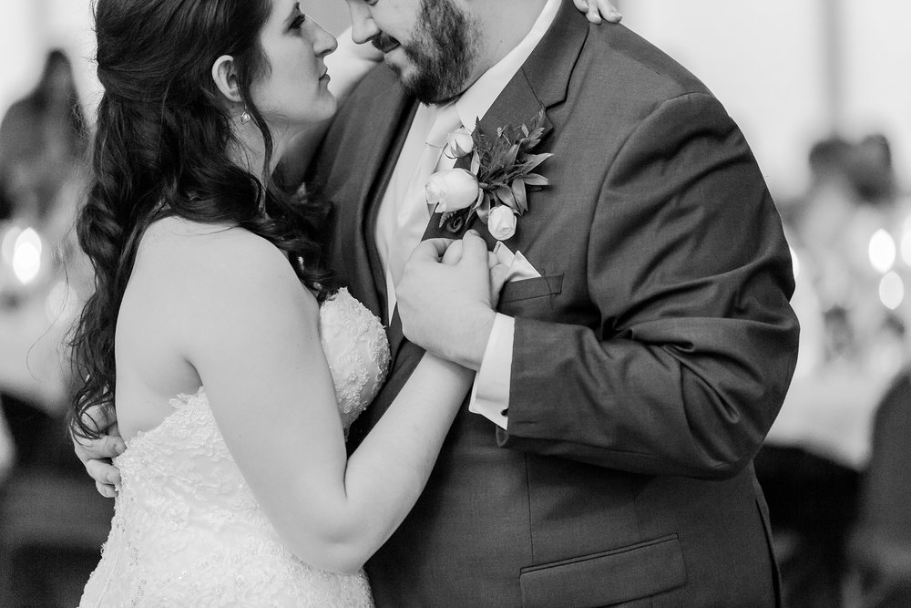 emotional-laid-back-romantic-wedding-photos-at-adrian-college-herrick-chapel-in-adrian-michigan-by-courtney-carolyn-photography_0071.jpg