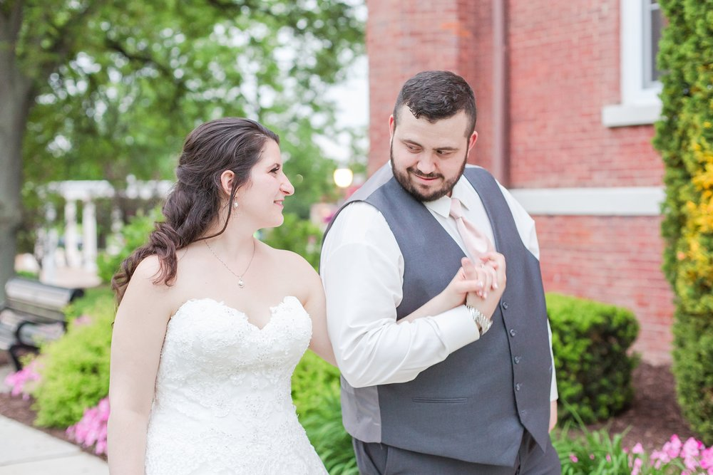 emotional-laid-back-romantic-wedding-photos-at-adrian-college-herrick-chapel-in-adrian-michigan-by-courtney-carolyn-photography_0087.jpg