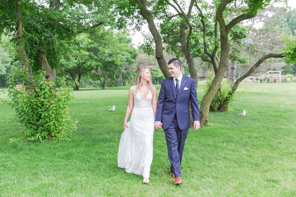 candid-romantic-wedding-photos-at-the-h-hotel-in-midland-michigan-by-courtney-carolyn-photography_0055.jpg