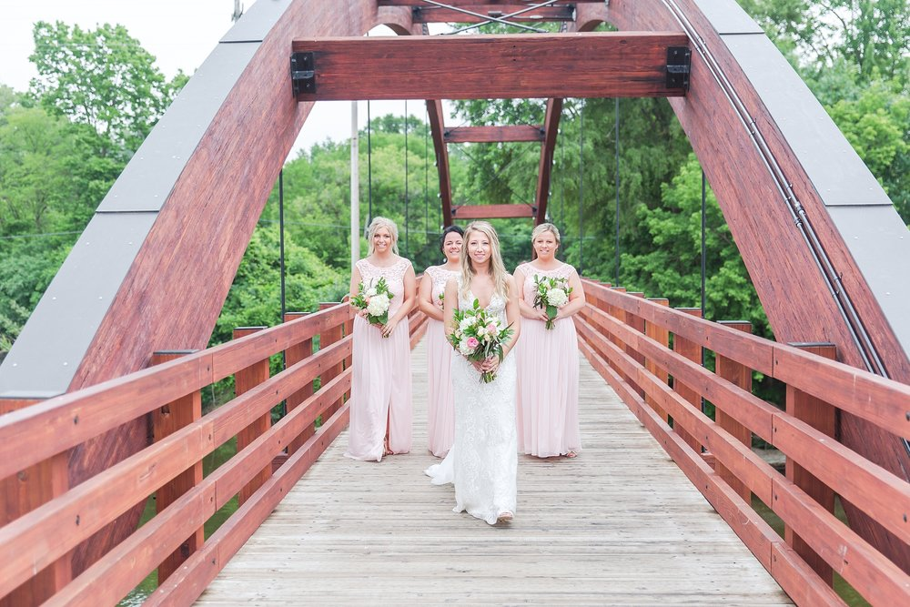 candid-romantic-wedding-photos-at-the-h-hotel-in-midland-michigan-by-courtney-carolyn-photography_0057.jpg