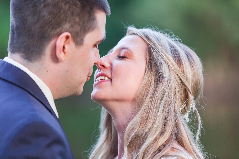 candid-romantic-wedding-photos-at-the-h-hotel-in-midland-michigan-by-courtney-carolyn-photography_0105.jpg