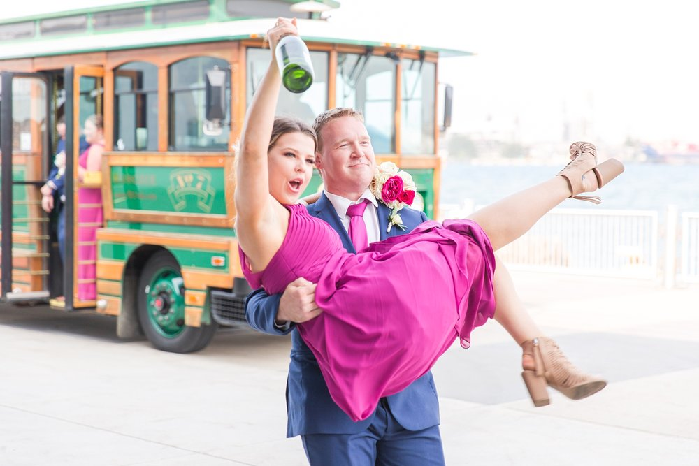 fun-nautical-wedding-photos-at-the-bean-dock-in-downtown-port-huron-michigan-by-courtney-carolyn-photography_0084.jpg