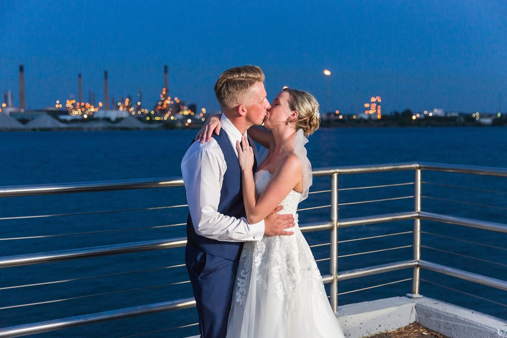fun-nautical-wedding-photos-at-the-bean-dock-in-downtown-port-huron-michigan-by-courtney-carolyn-photography_0115.jpg