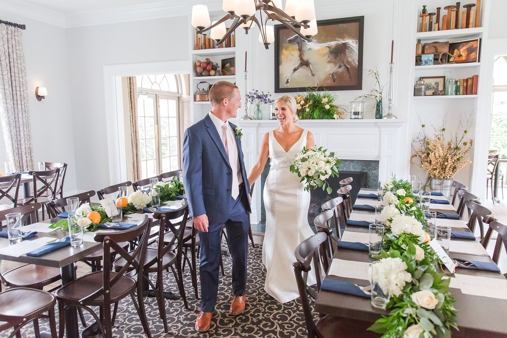 casually-chic-modern-wedding-photos-at-the-chapman-house-in-rochester-michigan-by-courtney-carolyn-photography_0051.jpg