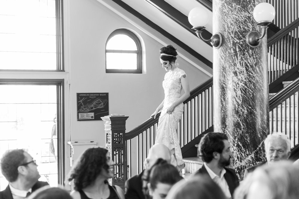 alternative-joyful-wedding-photos-at-the-belle-isle-casino-in-detroit-michigan-by-courtney-carolyn-photography_0033.jpg