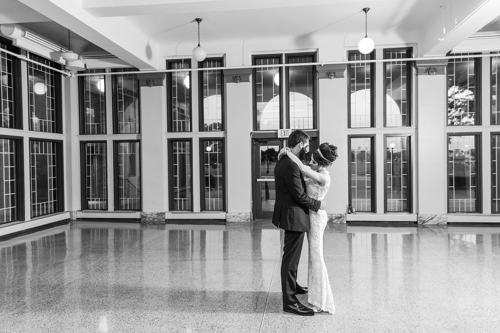 alternative-joyful-wedding-photos-at-the-belle-isle-casino-in-detroit-michigan-by-courtney-carolyn-photography_0070.jpg