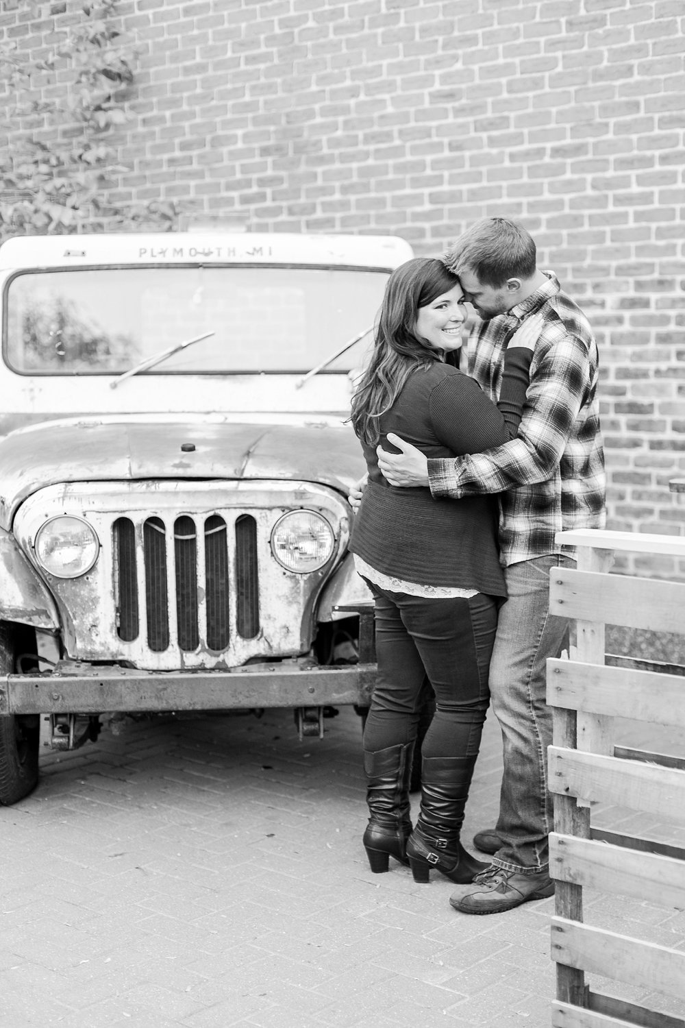 fun-fall-engagement-photos-in-downtown-plymouth-michigan-by-courtney-carolyn-photography_0022.jpg