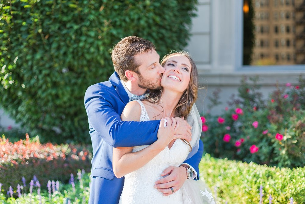 playful-blush-navy-wedding-photos-the-detroit-athletic-club-in-detroit-michigan-by-courtney-carolyn-photography_0059.jpg