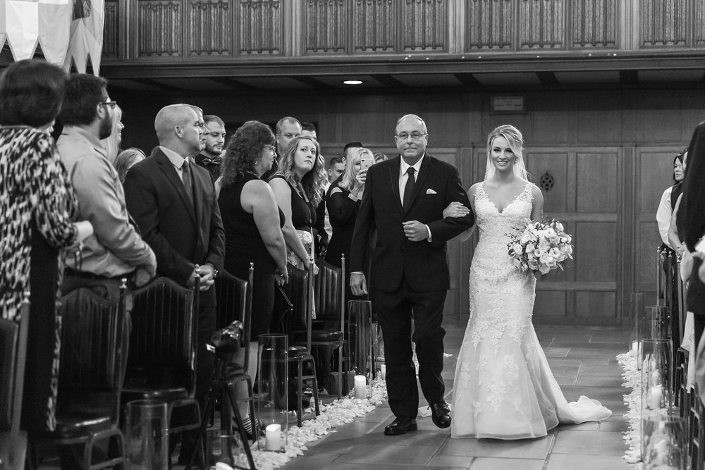 candid-romantic-wedding-photos-at-the-masonic-temple-belle-isle-detroit-institute-of-arts-in-detroit-michigan-by-courtney-carolyn-photography_0069.jpg