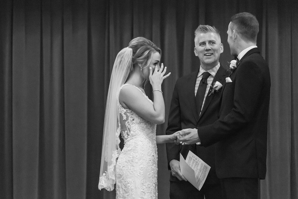 candid-romantic-wedding-photos-at-the-masonic-temple-belle-isle-detroit-institute-of-arts-in-detroit-michigan-by-courtney-carolyn-photography_0077.jpg