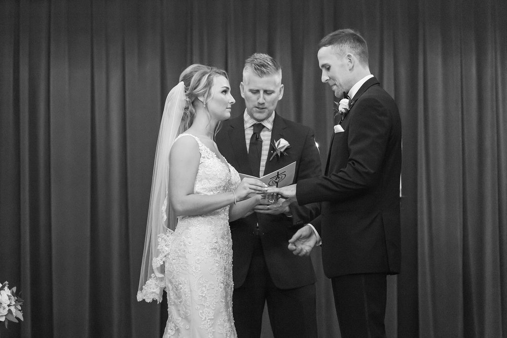candid-romantic-wedding-photos-at-the-masonic-temple-belle-isle-detroit-institute-of-arts-in-detroit-michigan-by-courtney-carolyn-photography_0080.jpg