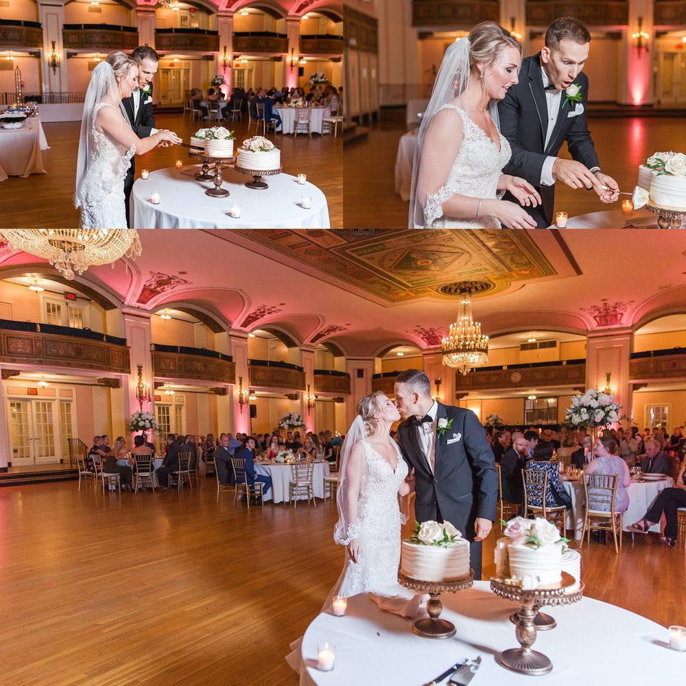 candid-romantic-wedding-photos-at-the-masonic-temple-belle-isle-detroit-institute-of-arts-in-detroit-michigan-by-courtney-carolyn-photography_0089.jpg