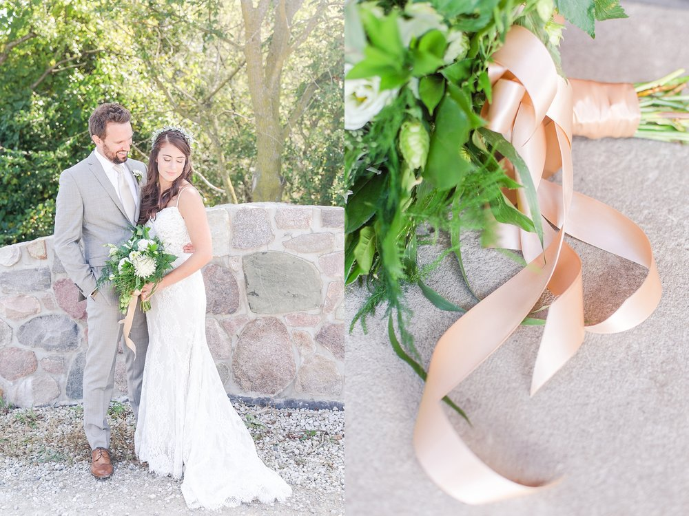 natural-rustic-wedding-photos-at-frutig-farms-the-valley-in-ann-arbor-michigan-by-courtney-carolyn-photography_0035.jpg