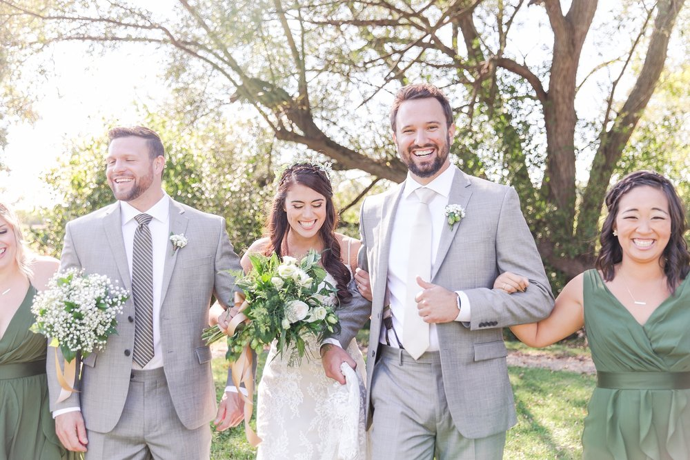 natural-rustic-wedding-photos-at-frutig-farms-the-valley-in-ann-arbor-michigan-by-courtney-carolyn-photography_0052.jpg