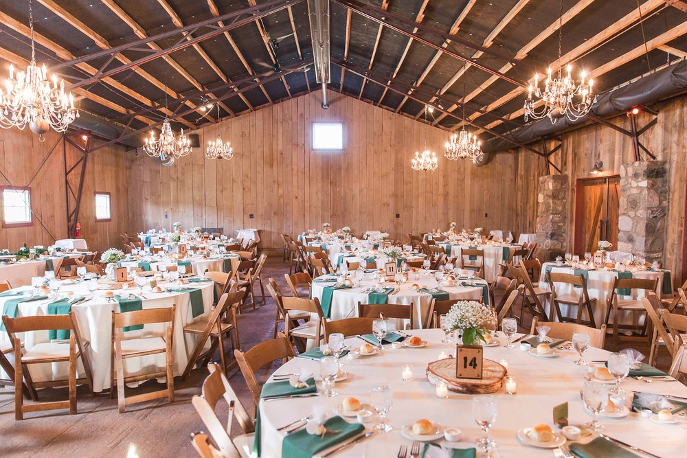 natural-rustic-wedding-photos-at-frutig-farms-the-valley-in-ann-arbor-michigan-by-courtney-carolyn-photography_0075.jpg