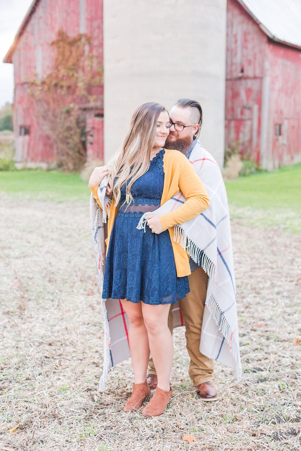 cozy-fall-engagement-photos-at-an-old-family-farm-in-monroe-michigan-by-courtney-carolyn-photography_0022.jpg