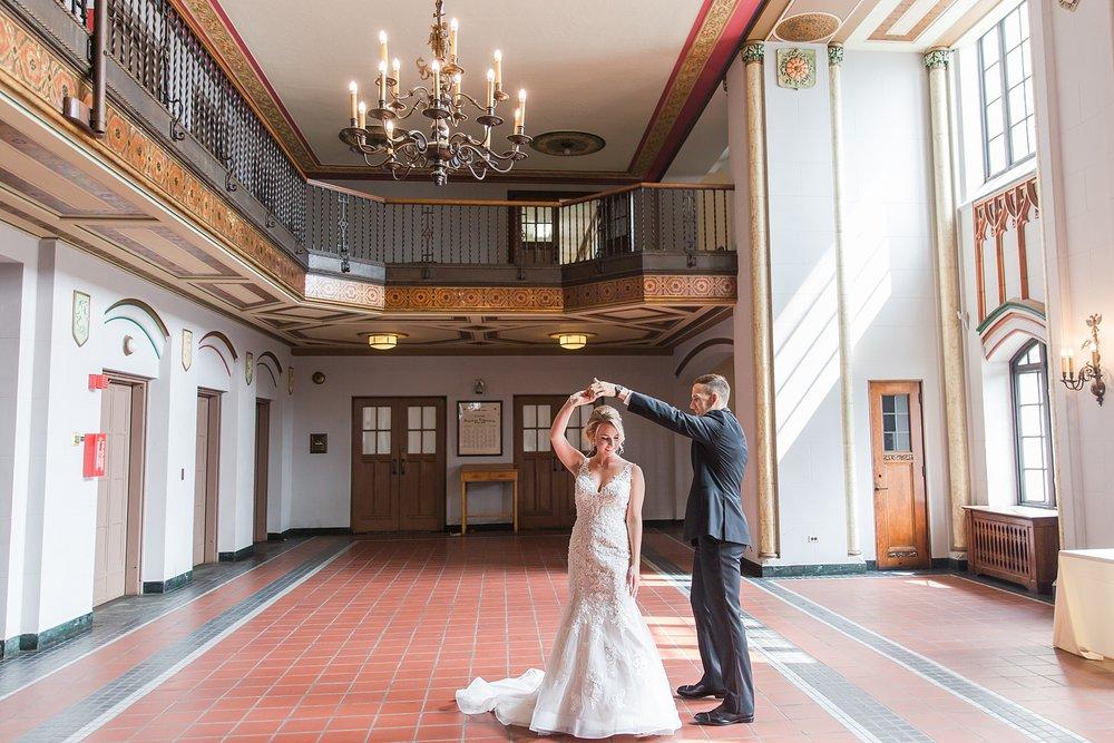 joyful-romantic-modern-laid-back-wedding-photography-in-detroit-ann-arbor-northern-mi-and-chicago-by-courtney-carolyn-photography_0001.jpg
