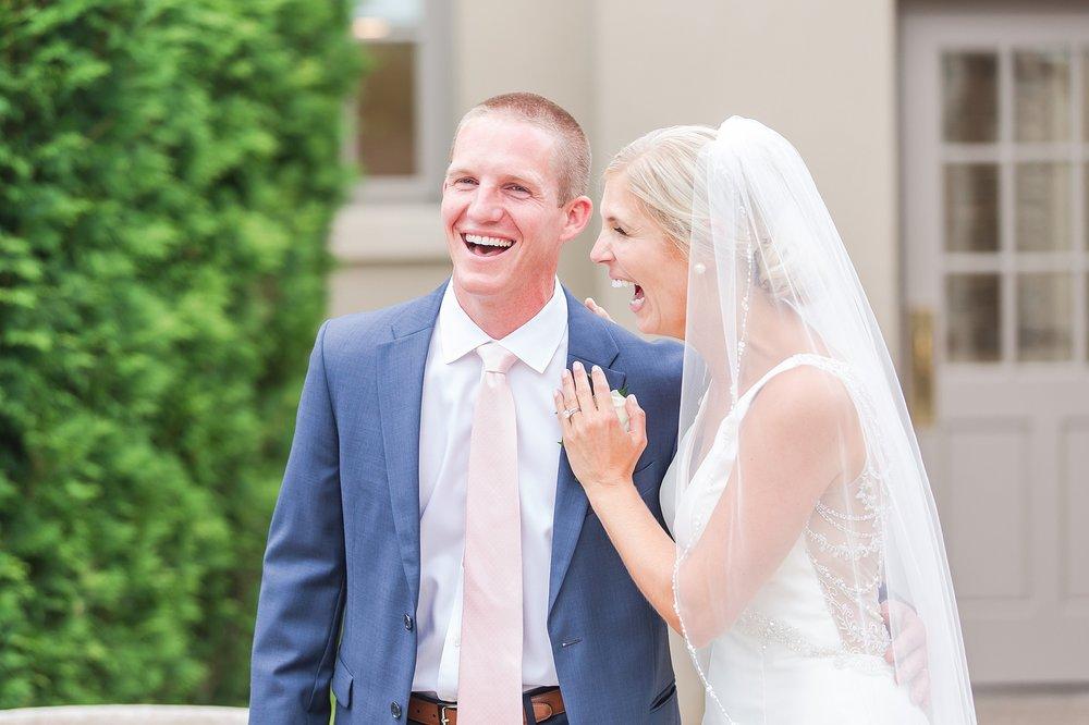joyful-romantic-modern-laid-back-wedding-photography-in-detroit-ann-arbor-northern-mi-and-chicago-by-courtney-carolyn-photography_0006.jpg