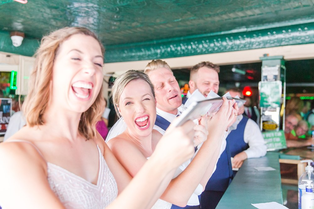 joyful-romantic-modern-laid-back-wedding-photography-in-detroit-ann-arbor-northern-mi-and-chicago-by-courtney-carolyn-photography_0033.jpg