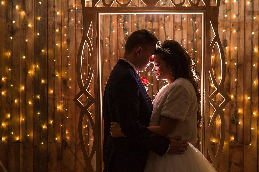 joyful-romantic-modern-laid-back-wedding-photography-in-detroit-ann-arbor-northern-mi-and-chicago-by-courtney-carolyn-photography_0047.jpg