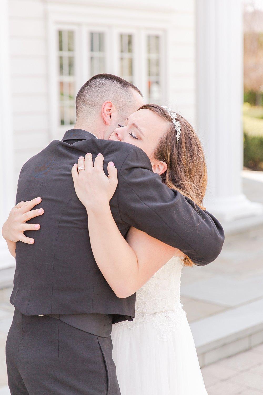 joyful-romantic-modern-laid-back-wedding-photography-in-detroit-ann-arbor-northern-mi-and-chicago-by-courtney-carolyn-photography_0052.jpg