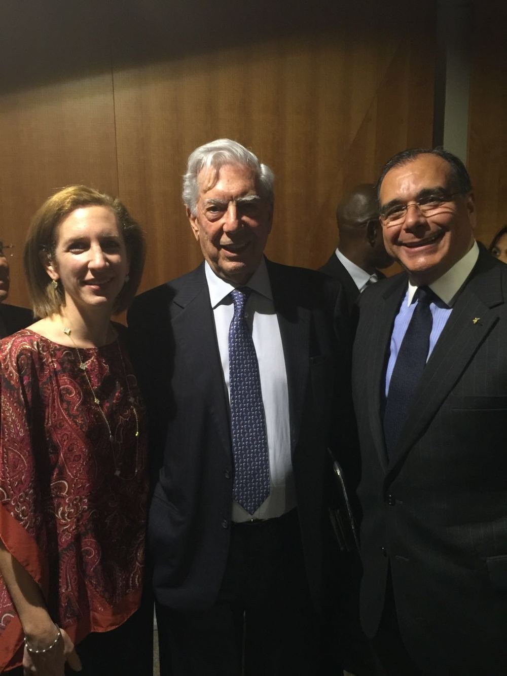 From left, Glorybell Daboub, Mario Vargas Llosa, and Dr. Juan José Daboub
