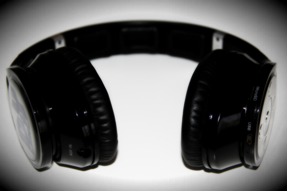 Freesound Artist Collection - ShaoDow DiY Gang headphones.jpg