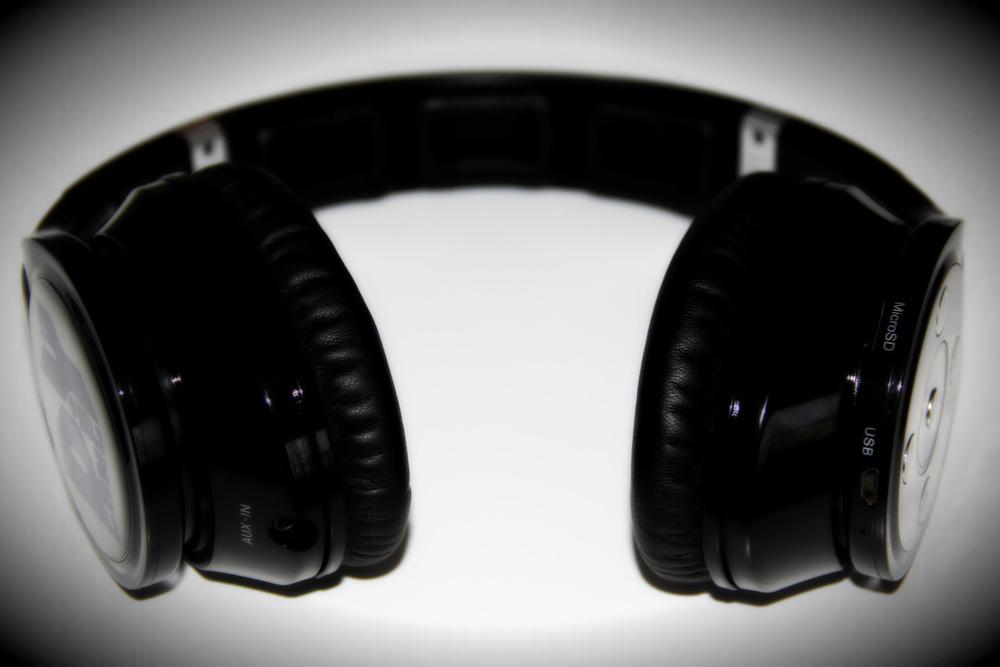 Freesound Artist Collection - ShaoDow DiY Gang headphones.jpg