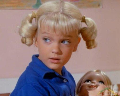 Susan Olsen as youngest daughter, Cindy. Lisp, pigtails.