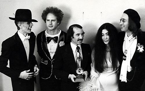 David Bowie, Art Garfunkel, Paul Simon, Yoko Ono, and John Lennon at the 1975 Grammys.