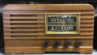 RCA Victor Model 16T2 Radio.jpg