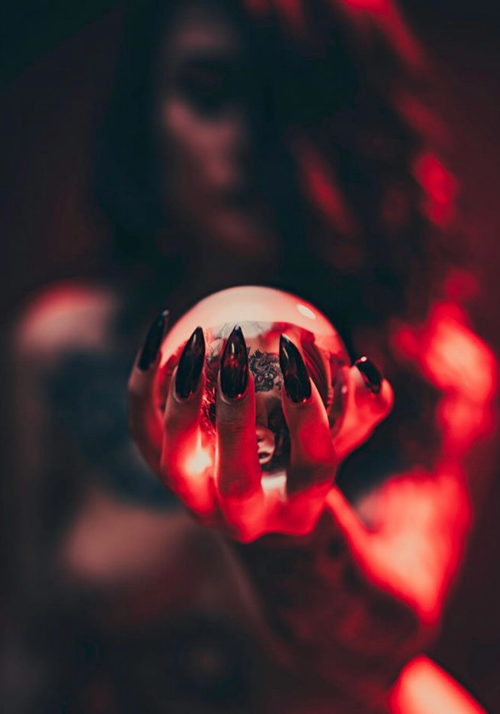 Photo by LucLonde on  Instagram  , as seen on  DarkBeautyMagazine