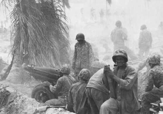 Pack howitzers of the 1st Battalion, Tenth Marines in action on Tarawa.