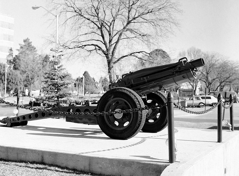 M116 Pack Howitzer in front of Fitzsimons Army Medical Center, Aurora, CO, 8 January 1991.