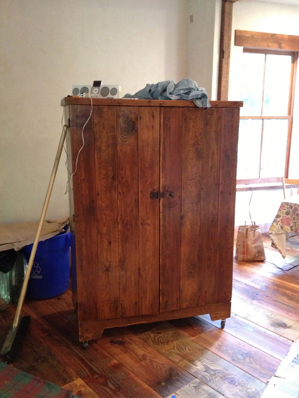 CraigsList Farmhouse Cabinet.jpg
