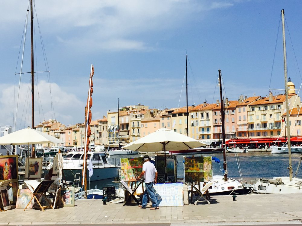 Artists still line the quay in Saint-Tropez