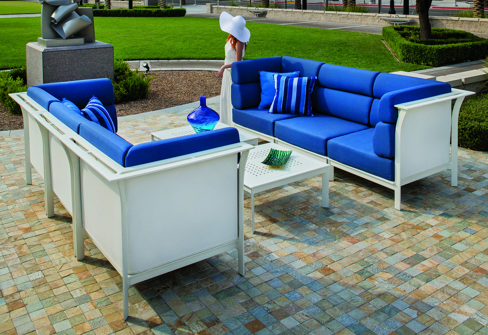 Edge Outdoor/Indoor Modular Privacy Seating