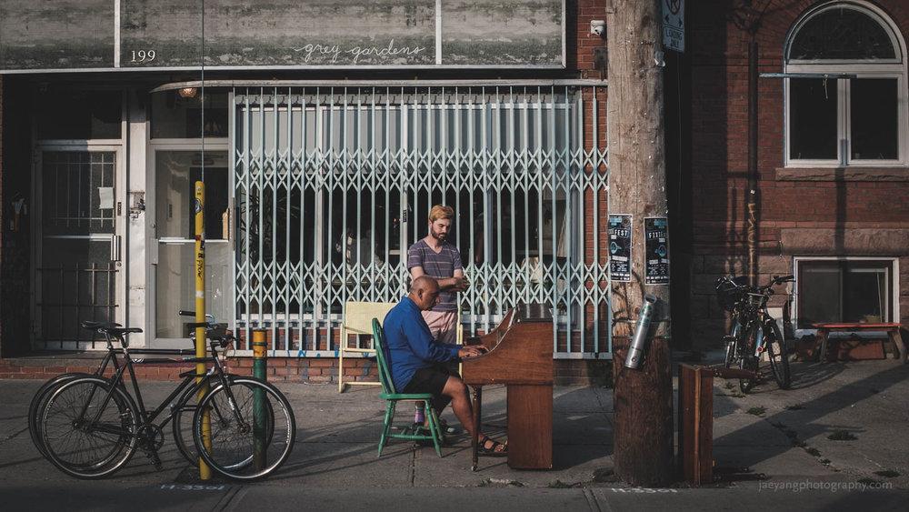 public piano.jpg