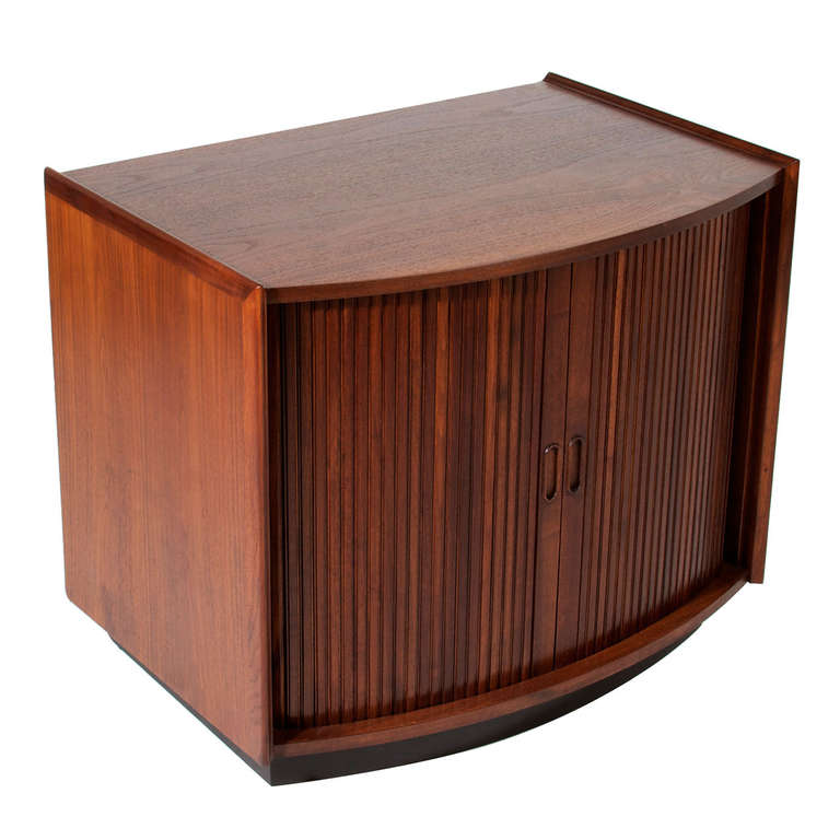 smallcredenza2_l.jpg